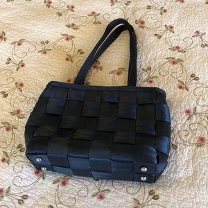 Harvey's seatbelt bag in navy
